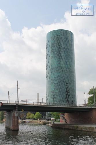 "Frankfurt • <a style=""font-size:0.8em;"" href=""http://www.flickr.com/photos/104879414@N07/30124158447/"" target=""_blank"">View on Flickr</a>"