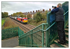Old Codgers' Reunion (david.hayes77) Tags: trainspotter photographer snapper autumn cheshire northwich 2018 freight tug class60 60100 6h02 dbcargo clc cheshirelinescommittee greenallroad midlandrailwaybutterley footbridge