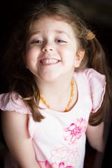 Sorrisão (alnero) Tags: sorriso smile criança menina girl infância childhood canon 7d canon7d 50mm retrato portrait alneropix wwwalneropixcom