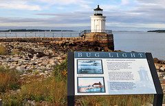 Bug Light w sign__Portland Me (31images) Tags: portlandmaine buglightpark lighthouse headlight buglight