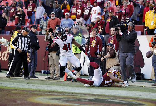 Doctson Can't Hold Onto It for a Score
