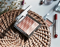 Chantecaille La Sirena Bronzer-Highlighter Duo (katalaynet) Tags: follow happy me fun photooftheday beautiful love friends