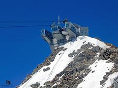 Skyway Monte Bianco (_a_l_e_s_s_i_o__c_) Tags: allaperto alpi alps montagne mountains italia snow natura neve nikon ghiacciaio skyway sky valledaosta paesaggi photography landscape fotografia funivia cabinovia montebianco