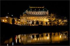 Neues Nationaltheater, Prag (ludwigrudolf232) Tags: prag nachts nationaltheater goldene kuppel moldau nacht