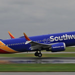 Southwest Airlines / Boeing 737 MAX 8 / N8704Q thumbnail