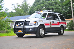 Chester Fire District Chief (Triborough) Tags: ny newyork orangecounty greenwoodlake cfd chesterfiredistrict firetruck fireengine firechief chiefscar chief ford expedition