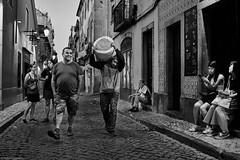 Lissabon Gente de Lisboa 2 bw (rainerneumann831) Tags: bw blackwhite street streetscene ©rainerneumann urban monochrome candid city streetphotography blackandwhite gentedelisboa lisboa lissabon