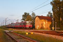EN71-021 passing Rzeszów Załęże (ThanksDrBeeching) Tags: train railway pociąg kolej zug bahn eisenbahn emu ezt en71 en71021 en57 en571049 rzeszów załęże rzeszówzałęże polregio pr