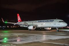 Turkish Airlines TC-JSR HAJ at Night (U. Heinze) Tags: aircraft airlines airways airplane planespotting plane nikon night haj hannoverlangenhagenairporthaj flugzeug eddv