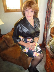 Just A Typical Wisconsin Housewife (Laurette Victoria) Tags: skirt blouse auburn laurette woman