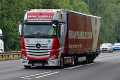 FC65 BYC (Martin's Online Photography) Tags: mercedes actros mp4 truck wagon lorry vehicle freight haulage commercial transport a63 everthorpe eastyorkshire nikon nikond7200