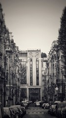 Contrast – Plaine Monceau (marc.barrot) Tags: street architecture building france paris 75017 ruethéodoredebanville ruepierredemours monochrome