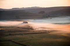 La grange des enfants, Lever du soleil, Lozère (lyli12) Tags: brume mist fog leverdesoleil lozère aubrac landscape languedocroussillon paysage nature nikon
