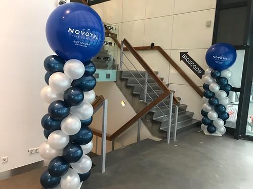 Ballonpilaar Breed Rond Bedrukt Pathe Schouwburgplein Novotel Rotterdam