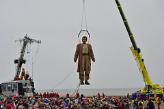Giant being lifted of beach (James O'Hanlon) Tags: giants giant liverpool spectacular liverpoolspectacular liverpoolsdream dream liverpools 3 3giants threegiants new brighton newbrighton wirral beach fortperchrock royal de luxe royaldeluxe jeanluc courcoult jeanluccourcoult dog walk drink