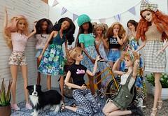 My little  JSW DOLLS  family welcomes the new girls... and the  most wanted bike! 🚲 (amartpas) Tags: barbie ooak jswdolls leyre candy daniela sylvie sophie fanny mar carmen valeria iria mackie lea generation teenskipper teennikki steffie maggisatelier karine squishtish solchristina
