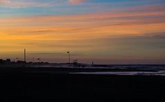 Spiaggia tramonto orizzonte (berightbackblog) Tags: rimini romagna emiliaromagna italia italy mare streetart