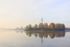 islet in the fog (Oleg Peresvet) Tags: autumn moscow canon 6d 24704 2470 f4 l is russia fog islet
