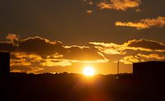 Sunset 26 Oct 2018 (Sculptor Lil) Tags: atmosphericoptics iridescentclouds london canon700d sunset weather crepuscularrays clouds