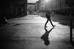 STO (gato-gato-gato) Tags: 35mm contax contaxt2 iso400 ilford ls600 noritsu noritsuls600 schweiz strasse street streetphotographer streetphotography streettogs suisse svizzera switzerland t2 zueri zuerich zurigo analog analogphotography believeinfilm film filmisnotdead filmphotography flickr gatogatogato gatogatogatoch homedeveloped pointandshoot streetphoto streetpic tobiasgaulkech wwwgatogatogatoch zürich ch black white schwarz weiss bw blanco negro monochrom monochrome blanc noir strase onthestreets mensch person human pedestrian fussgänger fusgänger passant sviss zwitserland isviçre zurich autofocus