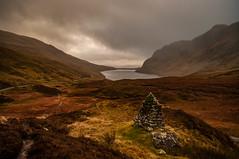 A Highland Cairn (Brian Travelling) Tags: scotland pentax k20d k20 landscape cairn autumn mountains benlawers mountain