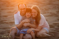 It's that time of year again to gather up your family for some photos!  We are booking up fast but still have some Sunday spots available! Let me know if you're interested! #paradastudio #paradaphotography #familyphotography #familyphotoshoot #familyphoto (parada.studio) Tags: paradastudio paradaphotography parada studio photography wedding bride bridal magazine photographers san diego los angeles orange county southern california socal photos pics pictures engagement engaged just ideas married white dress venue venues