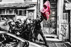 Street art (JM@MC) Tags: streetphotography police protest marseille streetart j2mcphotographie