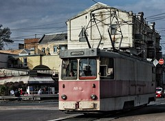 Kyiv. Autumn sidewalk. (Dmytro Shishkin) Tags: київ україна трамвай міськійтранспорт поділ ukraine kyiv kyivtram citytransport city canon5d canonukraine canoneos5d canonef70200mmf4lusm canon telezoom tram podil
