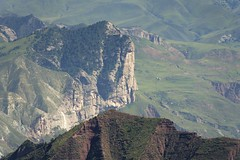The Rock Face Khyung-ngon, Tibet 2018 (reurinkjan) Tags: tibetབོད བོད་ལྗོངས། 2018 ༢༠༡༨ ©janreurink tibetanplateauབོད་མཐོ་སྒང་bötogang amdoཨ༌མདོ khamཁམས་བོད easterntibet machenརྨ་ཆེན།county kawasumdoཀ་བ་སུམ་མདོ་county rockfacekhyungngon tibetanlandscapepicture landscapeཡུལ་ལྗོངས།yulljongsyünjong landscapesceneryརི་ཆུ་ཡུལ་ལྗོངསrichuyulljongsrichuyünjong landscapepictureཡུལ་ལྗོངས་རི་མོyulljongsrimoyünjongrimo natureརང་བྱུང་ཁམས་rangbyungrangjung natureofphenomenaཆོས་ཀྱི་དབྱིངས་choskyidbyings earthandwaternaturalenvironmentས་ཆུ་sachu
