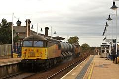 Grids In Mansfield (Derbyshire Harrier) Tags: mansfield 2018 autumn october colas jetting nottinghamshire railwaystation robinhoodline 56090 56094 rhtt 329x0500staplefordsandiacretototontmd grids railway