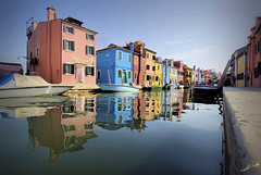 Burano (Michelecimitan) Tags: michelecimitan burano isola venice venise venezia vénétie veneto italie italy italia europe europa couleurs colored colours colorata reflections reflets riflessi houses maisons case canal eau water acqua picturesque geotagged