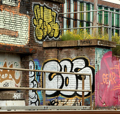 graffiti in Amsterdam (wojofoto) Tags: amsterdam nederland netherland holland graffiti streetart wojofoto wolfgangjosten cbs throws throwups throw throwup