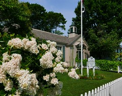 little post office (ekelly80) Tags: michigan mackinacisland august2018 summer upnorth puremichigan postoffice fence flowers white little cute americanflag