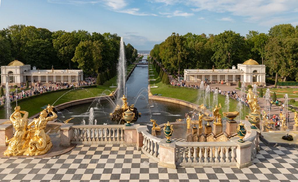 фото: Peterhof Palace, Saint Petersburg, Russia