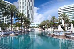 Fontainebleau Hotel (hiimlynx) Tags: miami pool miamibeach fontainebleau palms summer vacation