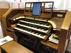 St Mark's, Grimsby (BiggestWoo) Tags: saint st mark's mark grimsby pedals manuals keyboards manual church big organ