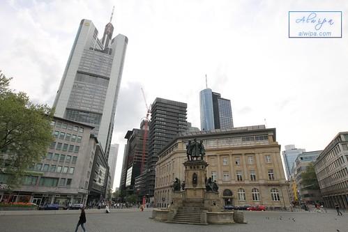 "Frankfurt • <a style=""font-size:0.8em;"" href=""http://www.flickr.com/photos/104879414@N07/44341198534/"" target=""_blank"">View on Flickr</a>"