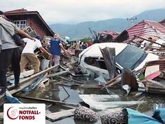 Erbeben und Tsunami in Indonesien (muslimehelfen) Tags: indonesien nothilfe notfall erdbeben tsunami lombok