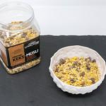Layenberger Low Carb Protein Keks-Müsli in der Variation Schoko Crunchy mit Produkt auf Schieferplatte thumbnail
