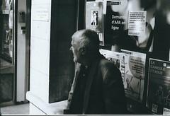 7. de perfil (artnoir) Tags: photo noir et blanc 1 2 3 4 5 6 7 8 10 9 13 swag black white paris arrondissement ville street old bricks