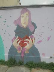 252 (en-ri) Tags: meli 2018 foglie leaves rosa mantello torino wall muro graffiti ragazza girl writing