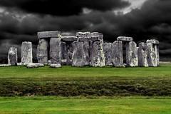 Neolithic / Neolitico (Giorgio Ghezzi) Tags: stonehenge stonecircle cerchiodipietra giorgioghezzi grass erba