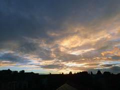 2018_10_010001 (Gwydion M. Williams) Tags: sunset coventry britain greatbritain uk england warwickshire westmidlands chapelfields sirthomaswhitesroad
