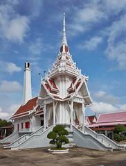 Bangkok – Crematorium (Thomas Mülchi) Tags: phayathaidistrict bangkok thailand 2018 phayathai saphankwaiworldwidephotowalk saphankwaiphotowalk bpg bangkokphotographersgroup photowalk worldwidephotowalk worldwidephotowalk2018 architecture buddha buddhism buddhisttemple bangkokmetropolitanregion th
