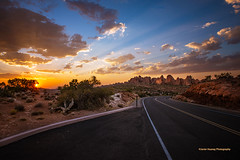 Sunset at Arches National Park (Javier Huanay) Tags: atardecer american amarillo art clouds d800 light skylines landscape luz rocks utah outdoor sunset nubes sun sunrays arches