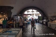 Catania Pescheria (10b travelling / Carsten ten Brink) Tags: carstentenbrink 2018 catania etna europa europe iptcbasic italia italian italie italien italy pescheria piazzapardo sicily cmtb fish fishmarkey market