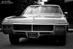 Riviera by Buick (Hi-Fi Fotos) Tags: 1968 buick riviera vintage 60s gm american luxury classiccar face grille hidden headlight chrome nikkor 50mm nikon d5000 dx hififotos hallewell mono bw blackandwhite