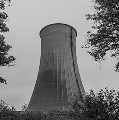 Kraftwerk Gustav Knepper (stillgelegt) (wpt1967) Tags: castroprauxel eos6d kraftwerk kühlturm ruhrgebiet ruhrpott bw canon28mm coolingtower powerstation stillgelegt sw wpt1967