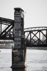 Hubbrücke MD (Viewfreeze) Tags: schleinufer rotehornpark trockenheit hubbrücke stadtpark magdeburg orte elbe viewfreeze