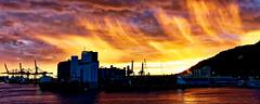 Coucher de soleil sur le port de Barcelone (thierrybalint) Tags: barcelone sunset town sky boat dusk nikon nikoniste port harbor espagne
